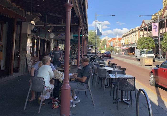カプチーノストリップ(South Terrace)のレストラン